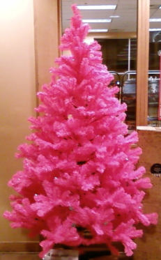Pink Christmas tree at borders.